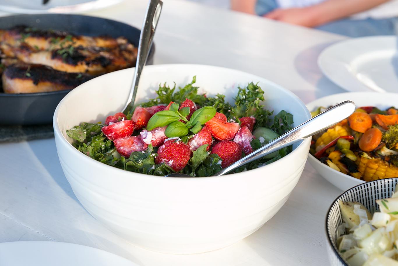 Jordbærsalat med basilikum